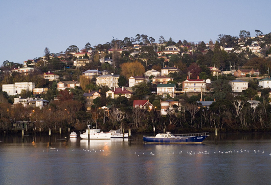 Cruise the Cataract Gorge and the Tamar Valley following the wine route